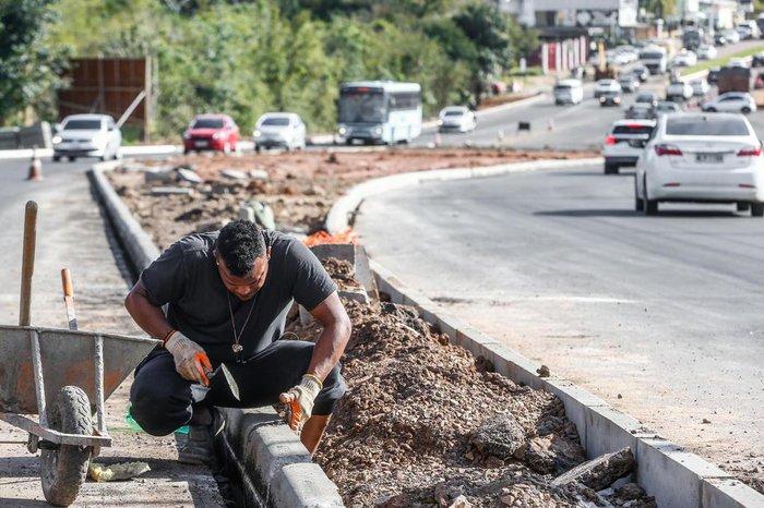 Prefeitura está duplicando trecho municipalizado da via
