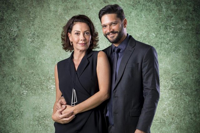 Nana (Fabiula Nascimento) e Diogo (Armando Babaioff) em Bom Sucesso