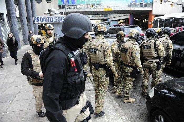 Agentes realizam buscas em 58 locais e tentam capturar 18 pessoas