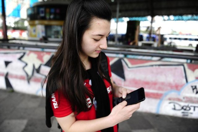 PORTO ALEGRE,RS,BRASIL.2019,09,10.Blitz nos aplicativos do transporte publico.Na foto.Mariana Longaray(RONALDO BERNARDI/AGENCIA RBS).