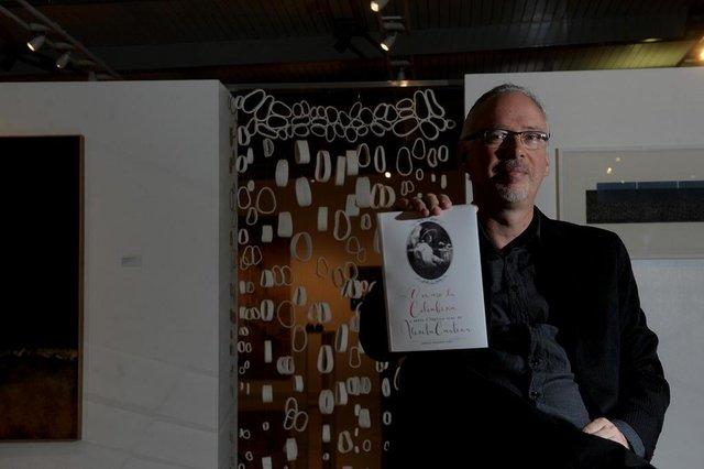 CAXIAS DO SUL, RS, BRASIL, 20/03/2019Marcos Fernando Kirst lança neste sábado a biografia da poetisa Vivita Cartier. (Lucas Amorelli/Agência RBS)
