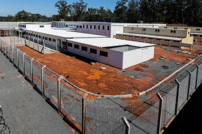 Visão externa da prisão em Sapucaia do Sul