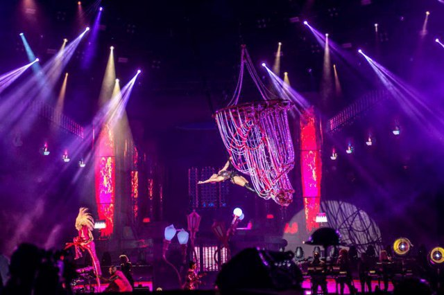 O sexto dia do Rock in Rio, neste sábado (5), foi marcado pela música pop e pelo funk: dentre as grandes atrações da noite, estavam Pink, Anitta, Black Eyed Peas e Ludmilla. E houve até pedido de casamento.