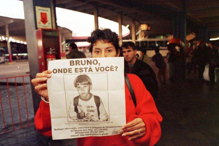 Devercina, há 20 anos, espalhou cartazes na rodoviária da Capital