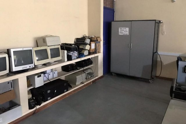 seu problema é nosso , spn de ajuda , colégio caldas junior, porto alegre, partenon, vaquinha, laboratório de informática