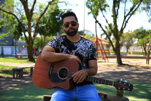 SÃO LEOPOLDO -  RS - BR - 12.10.2019Elton Quadros, músico sertanejo.  FOTÓGRAFO: TADEU VILANI - A GÊNCIA RBS EDITORIA DG