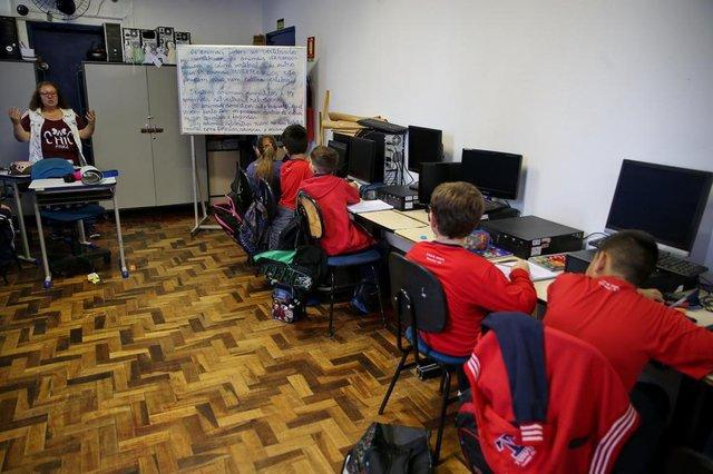 GRAVATAÍ-RS- BRASIL-  05/11/2019- EEEM Tuiuti, de Gravataí, está com problemas nas instalações. Sala de aula multimidia foi adaptada para ser sala de aula.FOTO FERNANDO GOMES/ DIÁRIO GAÚCHO.