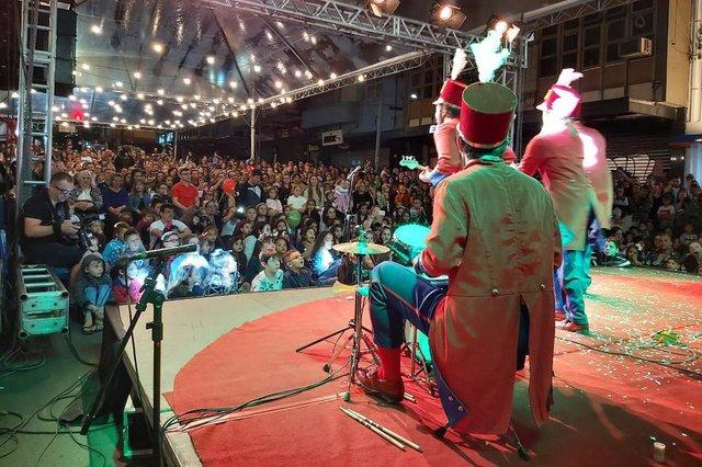Prataviera Shopping fechou a Sinimbu para a chegada do Papai Noel