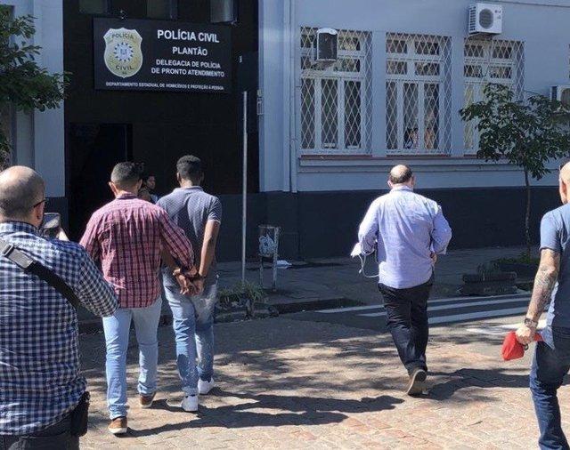 Golpe dos nudes: decretada prisão de suspeito de usar nome de delegado para extorquir vítimas