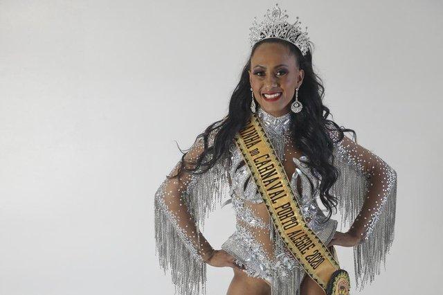 PORTO ALEGRE, RS, BRASIL - 2019.12.03 - Fotos da rainha, das princesas e do rei momo para matéria do DG da coluna eu sou do samba. (Foto: ANDRÉ ÁVILA/ Agência RBS)