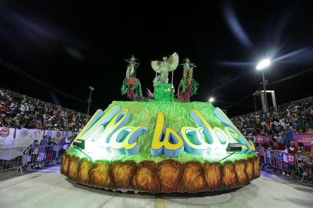 PORTO ALEGRE, RS, BRASIL 07/02/2016 - Carnaval 2016 -  Unidos de Vila Isabel. (FOTO: LAURO ALVES/AGÊNCIA RBS).