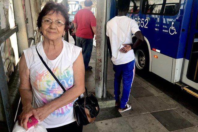 Blitz DG , verão , calor nos ônibus , ar condicionado no ônibus , Porto Alegre , transporte público , usuários de transporte público. Na foto: Ledir Corrêa Fontoura.