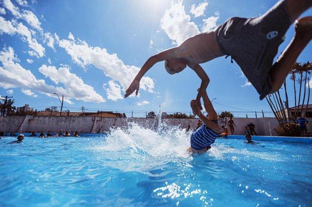 PORTO ALEGRE, RS, BRASIL, 05/01/2020: Primeiro final de semana da piscina pública do Ceprima ¿ Centro de Comunidade Primeiro de Maio. (Foto: Omar Freitas / Agência RBS)Indexador: Omar Freitas