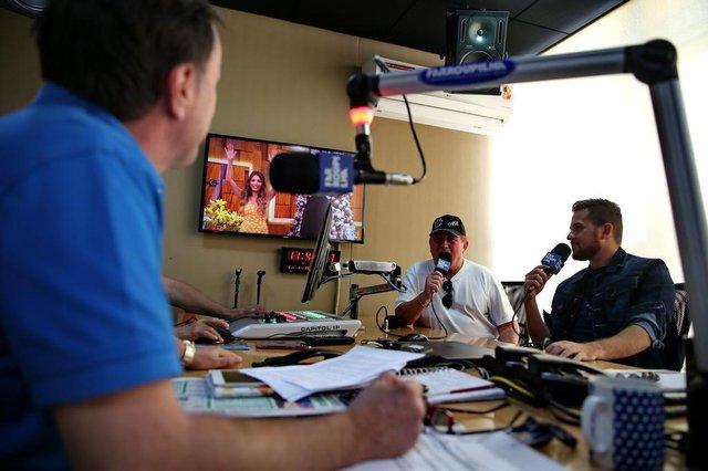 PORTO ALEGRE, RS, BRASIL,06/01/2020- Amado Batista e Rick Batista na Farroupilha, junto com apresentador: Gugu Streit. (FOTOGRAFO: FERNANDO GOMES / AGENCIA RBS)