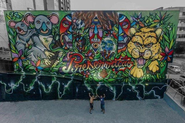 maior mural a céu aberto de Caxias é finalizado pelos artistas Fábio Panone Lopes e Henrique Padilha