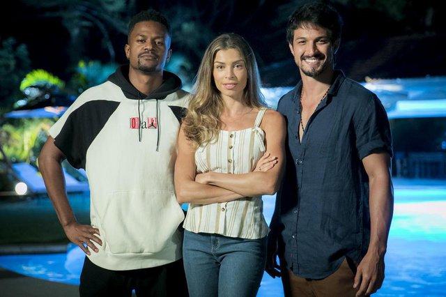 Ramon (David Junior),  Paloma (Grazi Massafera) e Marcos (Romulo Estrela) em Bom Sucesso