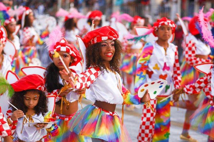 Imperadores do Samba passando na avenida