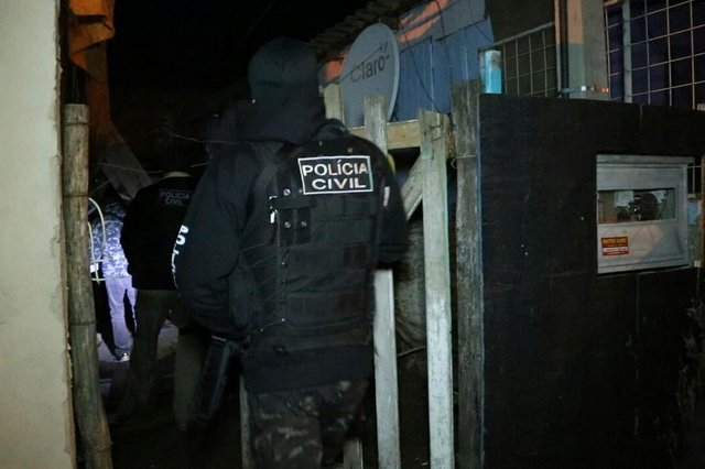 Estelionatária, investigada em mais de 100 ocorrências, é recapturada pela Polícia Civil em Porto Alegre. <!-- NICAID(14444997) -->