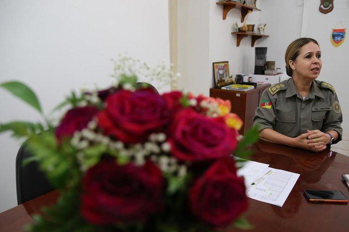 Coronel Cristine Rasbold em seu gabinete no comando da BM