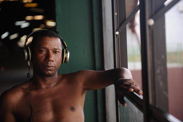 CAXIAS DO SUL, RS, BRASIL (31/03/2020)reportagem ambiental com os moradores de rua que estão abrigados nos pavilhões da Festa da Uva por conta do coronavírus. Na foto, Adair José Ferreira, 40 anos nascido em Porto Alegre mora há 11 anos em Caxias. (Antonio Valiente/Agência RBS)<!-- NICAID(14465812) -->