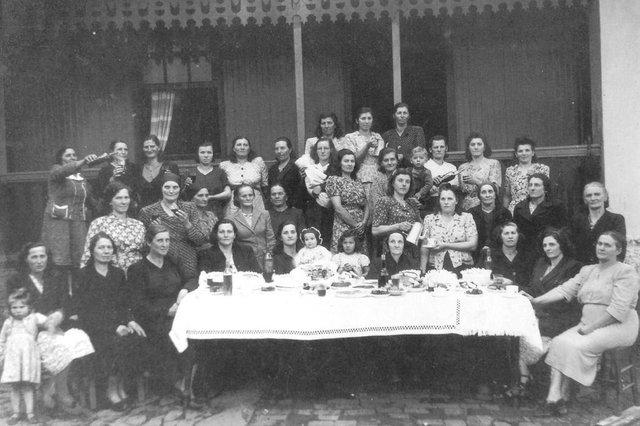 Aniversário de Maria Tomazoni na Terceira Légua em 1956.<!-- NICAID(14471371) -->