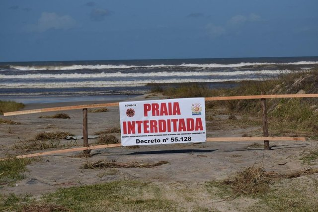 Prefeitura de Arroio do Sal teme aumento de movimentação de pessoas no Feriado de Páscoa. A praia está interditada e blitze educacionais são feitas na entrada da cidade.<!-- NICAID(14473392) -->