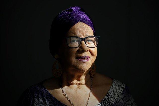 PORTO ALEGRE - BRASIL - Coluna eu sou do samba DG. Vera Costa, uma das personalidades do carnaval de Porto Alegre e compositora de um dos enredos mais famosos da imperadores do samba.