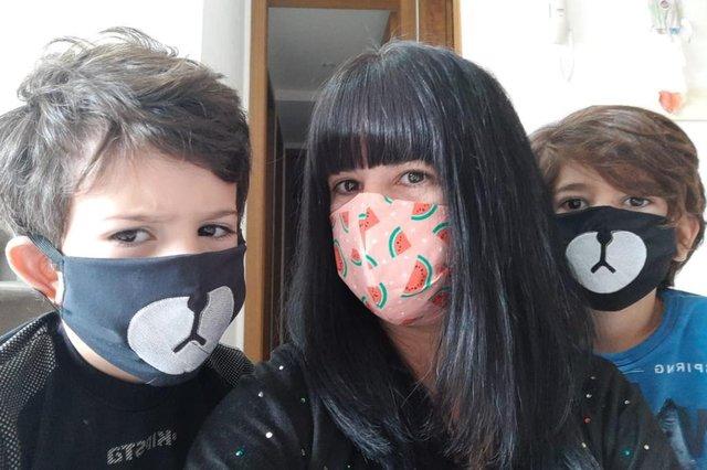 sabrina crespo, lá em casa, cris silva, máscaras, coronavírus