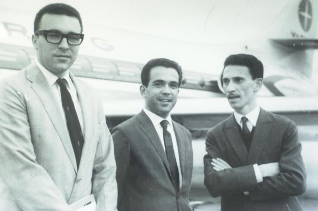 #Máquina: D1-5021760Rui Carlos Ostermann, Pedro Carneiro Pereira e Lauro Quadros<!-- NICAID(1496675) -->