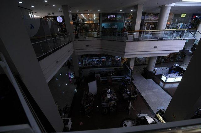 BENTO GONÇALVES, RS, BRASIL, 27/05/2020 - Reportagem apura como os Shoppings centers de Bento estão se prevenindo da covid 19. NA FOTO: shopping Lamérica. (Marcelo Casagrande/Agência RBS)<!-- NICAID(14509320) -->