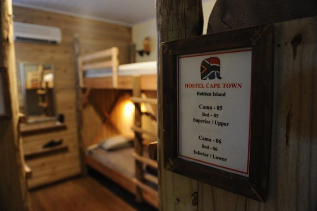 CAMBARÁ DO SUL, RS, BRASIL (01/06/2020)O Hostel Cape Town funciona há cinco anos no centro de Cambará do Sul. Com a pandemia o estabelecimento chegou a ficar dois meses fechados, reabrindo com protocolo de funcionamento elaborado a partir das normas governamentais. Algumas reservas permanecem agendadas a partir de meados de junho. Os gerentes esperam uma retomada a partir da reabertura dos parques nacionais ainda sem previsão. (Antonio Valiente/Agência RBS)<!-- NICAID(14513675) -->