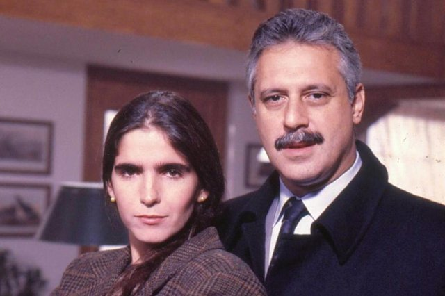 Novela O Dono do Mundo, exibida em 1991 na Globo, começa a ser reprisada no Viva. Na foto: Antônio Fagundes (Felipe Barreto) e Malu Mader (Márcia)