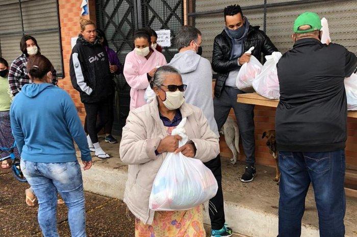 120 famílias da região receberam as doações