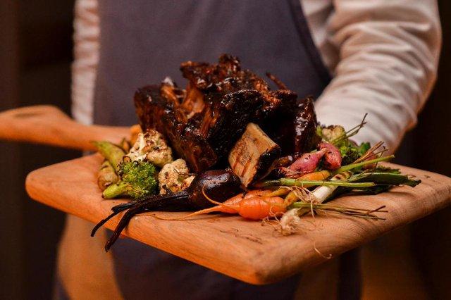 Casa Hotéis, de Gramado, oferece pacote para reserva de experiências gastronômicas. Na foto, prato do resturante Wood. <!-- NICAID(14577257) -->
