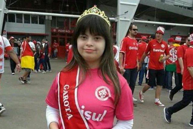 Doroti Debora de Souza Cordella, mãe da Rhaissa. Ela conta sobre a descoberta, o aprendizado e as conquistas da filha que nasceu com síndrome de down.