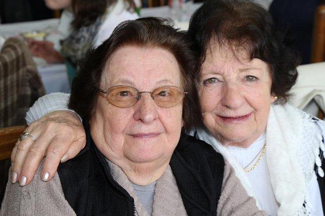 Família de Gislaine Amoretti. Na foto: Gislaine Amoretti e a irmã Terezinha Amoretti.<!-- NICAID(14600328) -->