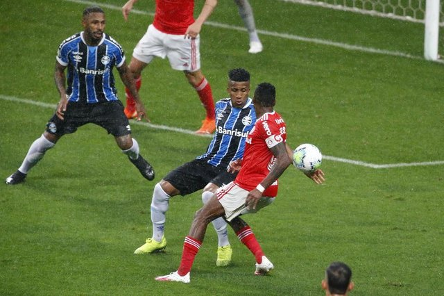 PORTO ALEGRE, RS BRASIL - 03.10.2020 - Grêmio e Inter se enfrentam neste sábado, na Arena, pela 13ª rodada do Brasileirão. (Foto: Lauro Alves/Agencia RBS)<!-- NICAID(14608520) -->