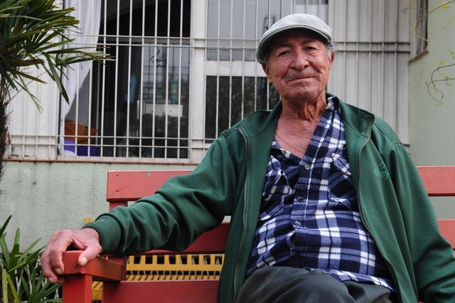 CAXIAS DO SUL, RS, BRASIL (01/10/2020)Idosos que vivem em asilos de Caxias contam como encaram a saudades em meio à pandemia. Na foto, Danúncio Augusto de Souza, 79 anos. (Antonio Valiente/Agência RBS)<!-- NICAID(14606236) -->