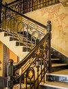 Suntuosidade: escadas internas do térreo ao segundo pavimento foram restauradas