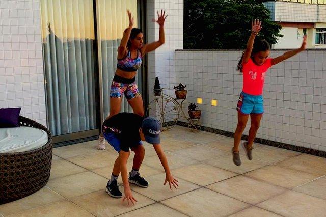 Gabriela Cangussu, atividade física, pandemia, crianças, divertindo as crianças,  corrida do sapo corrida do sapo 2