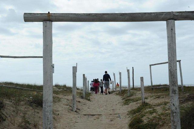 ARROIO DO SAL, RS, BRASIL (29/10/2020)Reportagem verifica a preparação e estádo das praias antes da chegada do feriado. Na foto, Arroio do Sal. (Antonio Valiente/Agência RBS)<!-- NICAID(14631206) -->