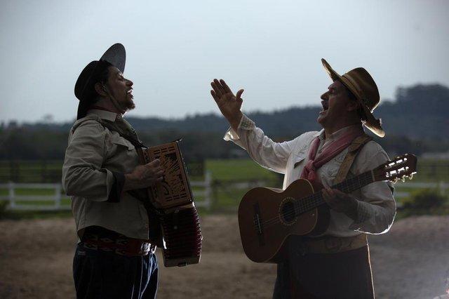 Érlon Péricles e Elton Saldanha, disco em parceria, amigos do tempo antigo.