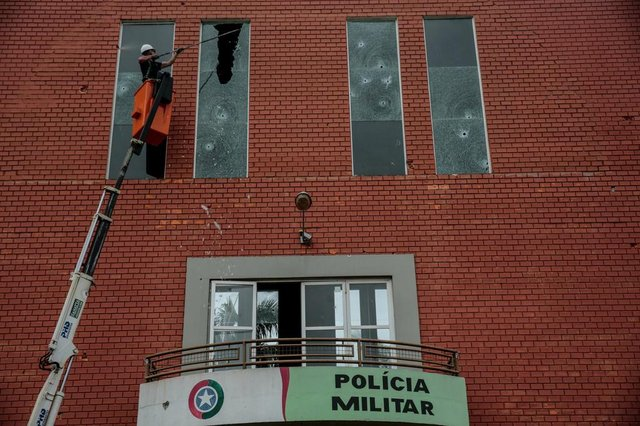 CRICIÚMA, SC, BRASIL - 01.12.2020 - Ambiental em Criciúma, sul de Santa Catarina, após ataque de criminosos na madrugada desta terça-feira. (Foto: Marco Favero/Agencia RBS)<!-- NICAID(14657990) -->