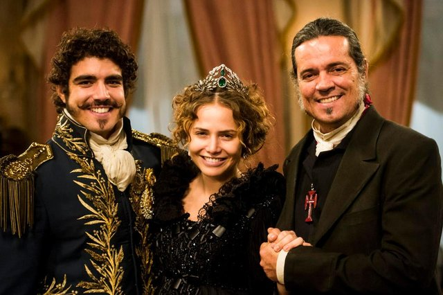 Pedro (Caio Castro), Leopoldina (Leticia Colin) e Bonifácio (Felipe Camargo).<!-- NICAID(14506467) -->
