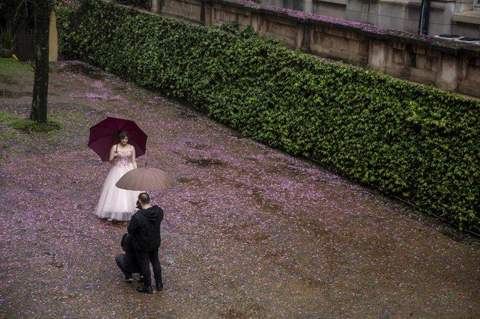 Fotos foram feitas no salão e no jardim da Catedral