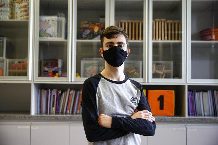 Eduardo Bortolomiol Passos, 17 anos, é aluno do 3º ano do Ensino Médio do Colégio Farroupilha