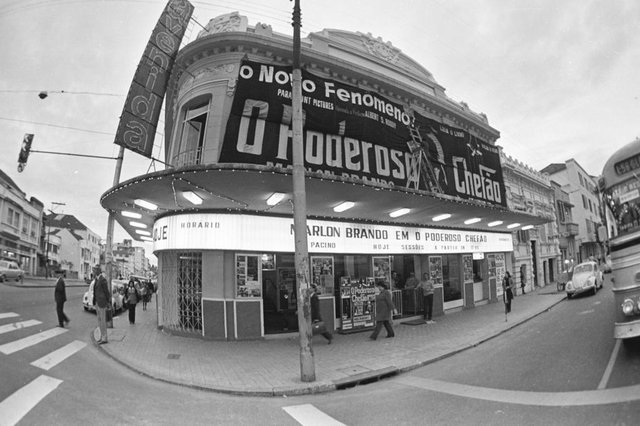 Cinema Avenida.#PÁGINA: 4#ENVELOPE: 088979 <!-- NICAID(894376) -->