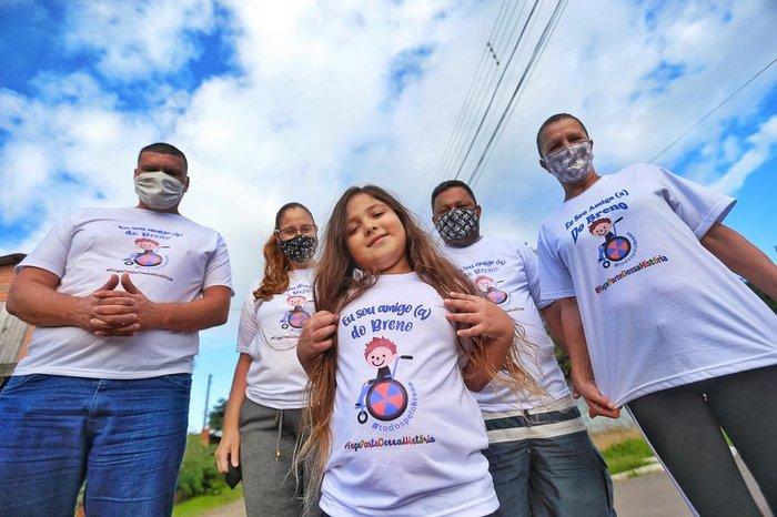 Da esquerda para a direita, Nailton Menezes, Lucilene dos Santos, Bruno dos Santos, Sinclair dos Santos e Salete Graminho
