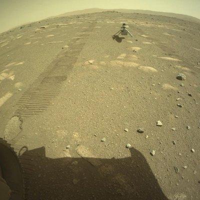 Helicóptero da Nasa chega ao solo de Marte