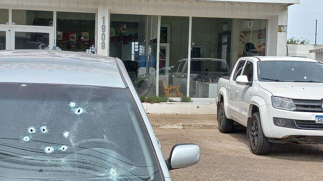 Revenda de veículos atingida por tiros durante execução em Taquara